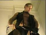 leons leather show webcam